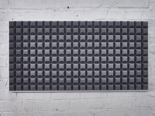 Absorbeur de bruit avec un profil de trapèze moderne